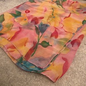 Floral polyester scarf